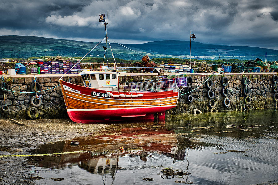 Tobermory Boat at Low Tide - Scotland by Stuart Litoff