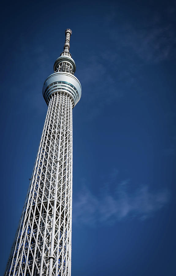 Tokyo SkyTree 2 by William Chizek