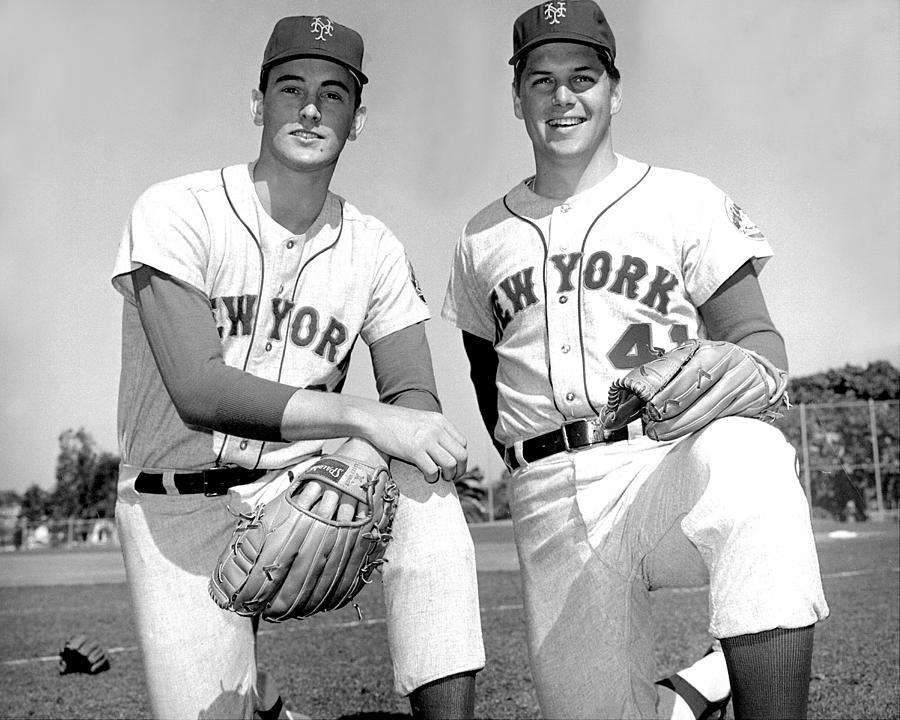 Tom Seaver and Nolan Ryan Photograph by New York Daily News Archive