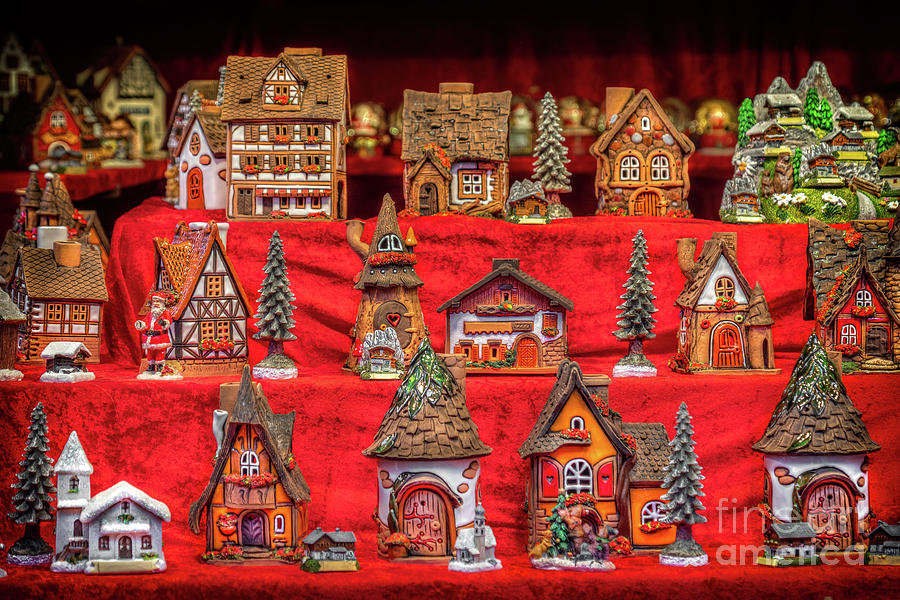toy houses for childrens in vintage toy store christmas shop showcase by Luca Lorenzelli