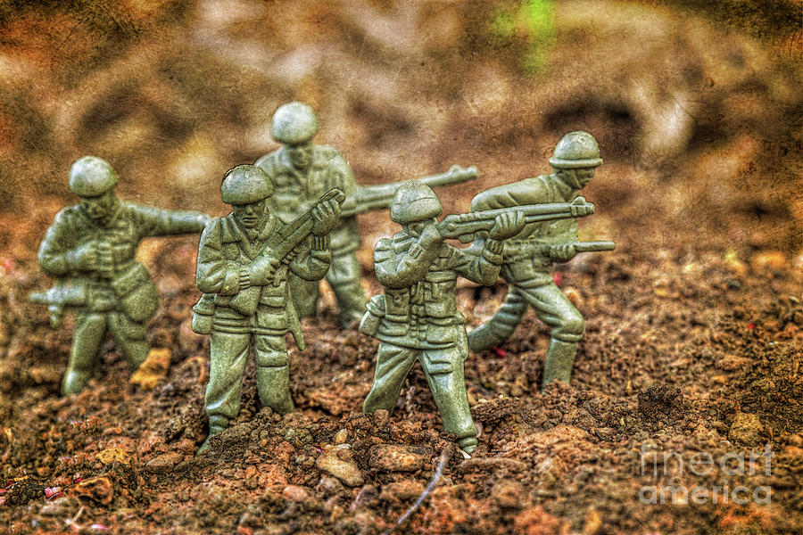 Toy Soldiers Battle In The Dirt Digital Art