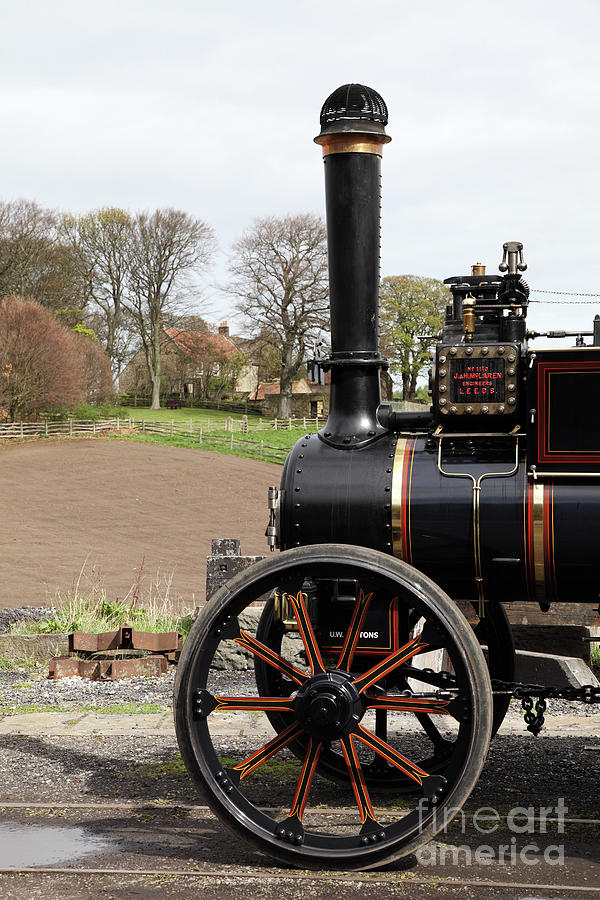 Traction Engine by Bryan Attewell