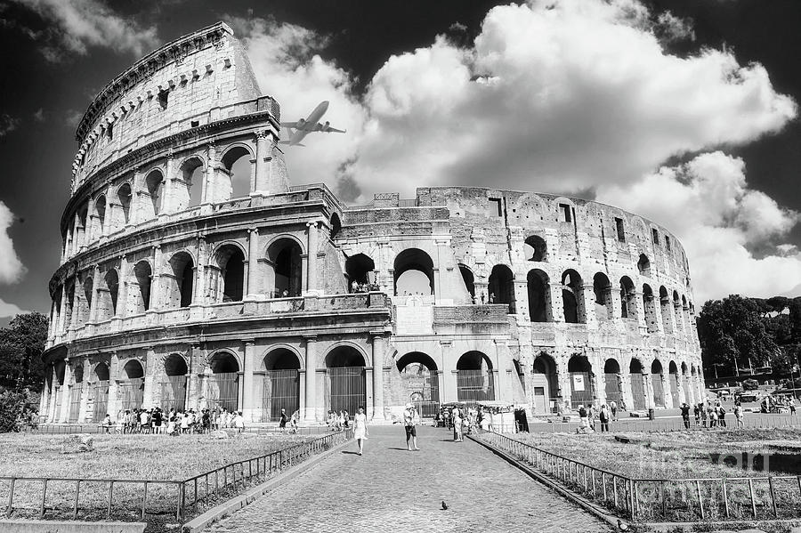 Coliseum Photograph - Travel in Rome - Colosseum BW by Stefano Senise