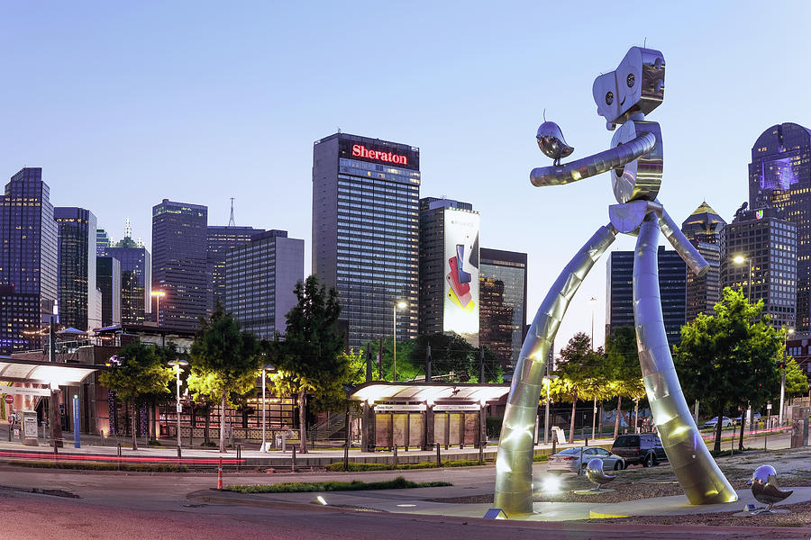 Traveling Man Dallas 111419 by Rospotte Photography