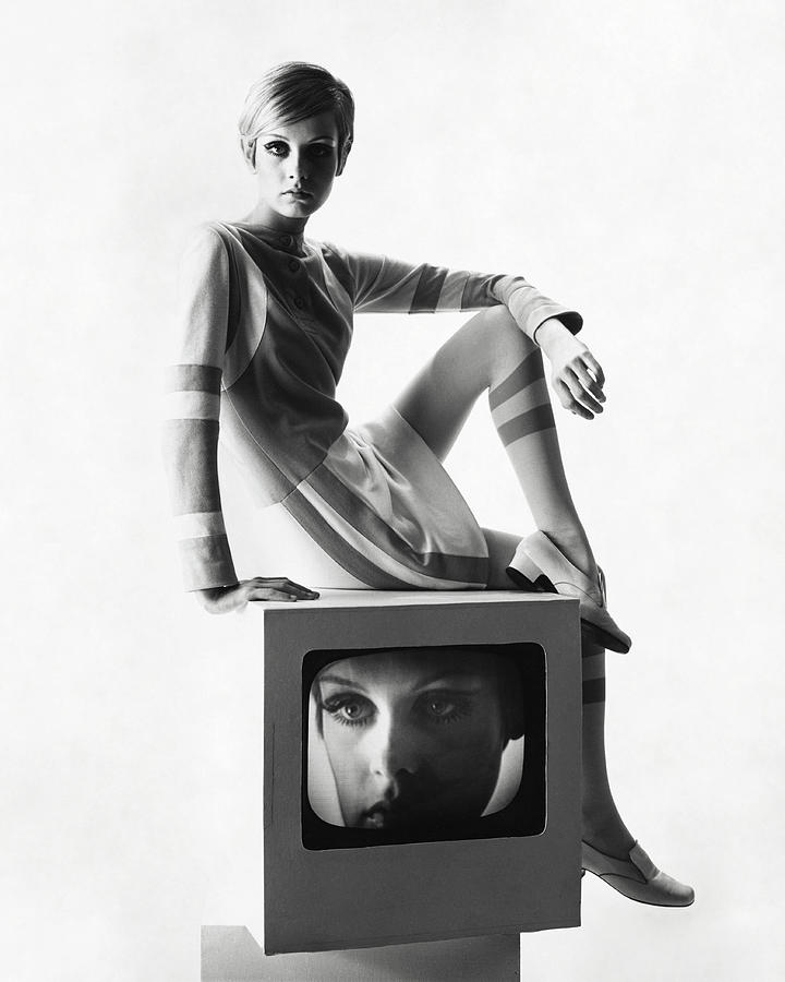 Twiggy Atop A Television Box Photograph by Bert Stern