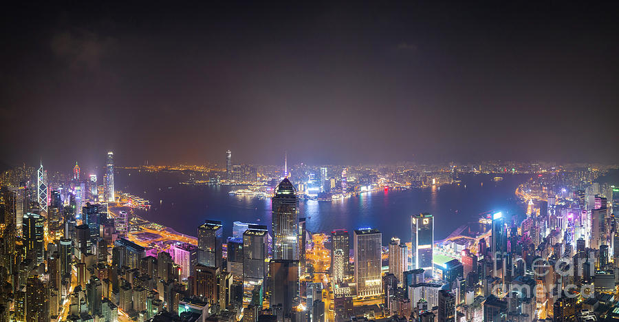 Twilight over Hong Kong Central business district and Kowloon ac by Didier Marti