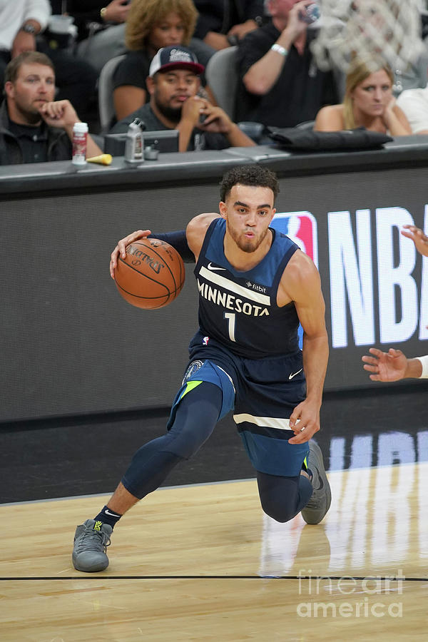 Tyus Jones Photograph by Darren Carroll