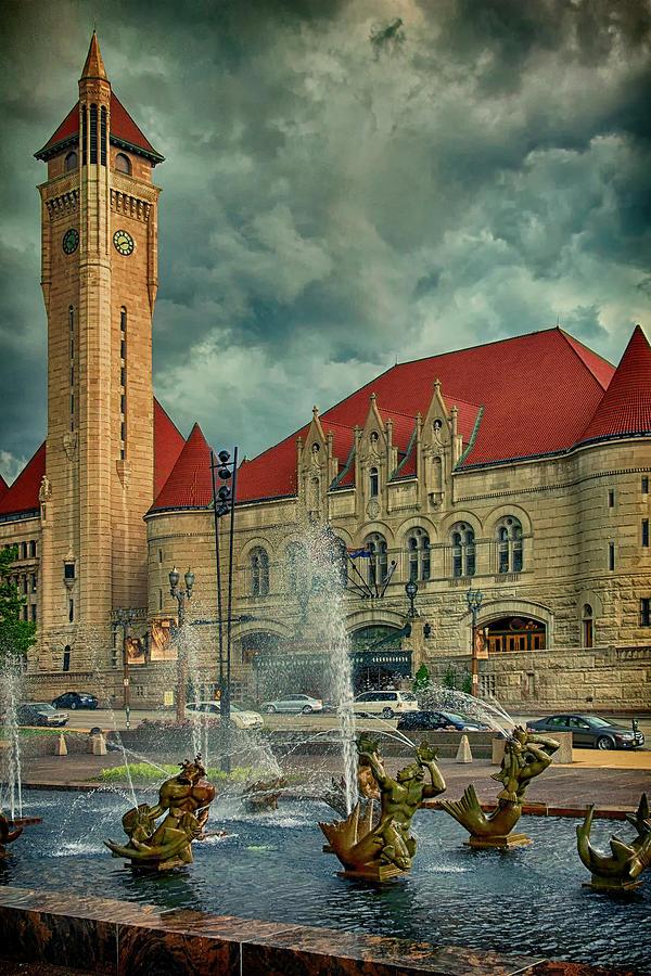 Union Station Color Portrait DSC00422 by Greg Kluempers