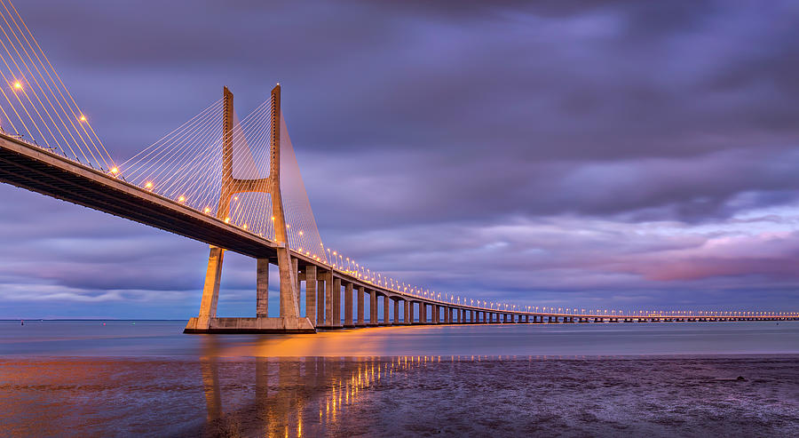 vasco-da-gama-bridge-lisbon-adelheid-smitt.jpg