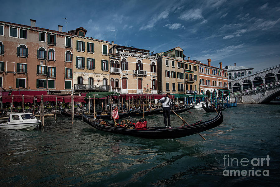 Venice-gondola Traffic Photograph