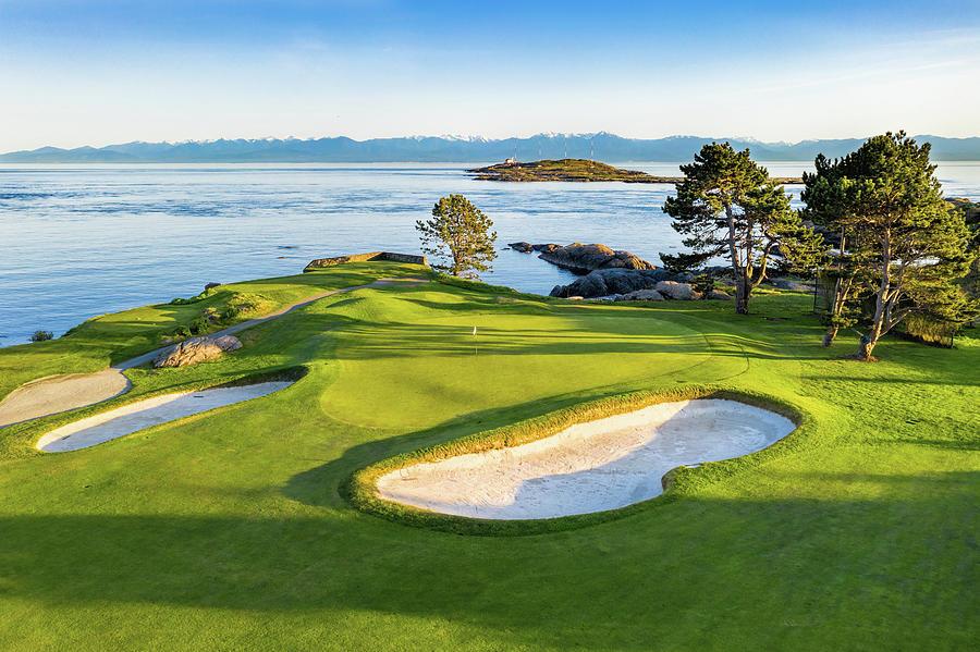 Victoria Golf Club 2 by Mike Centioli
