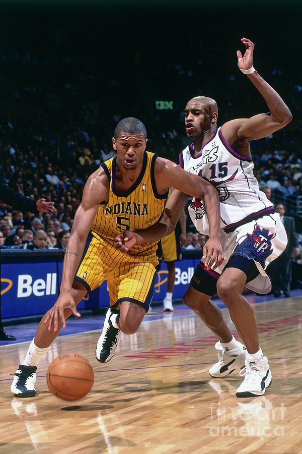 Vince Carter and Jalen Rose Photograph by Ron Turenne