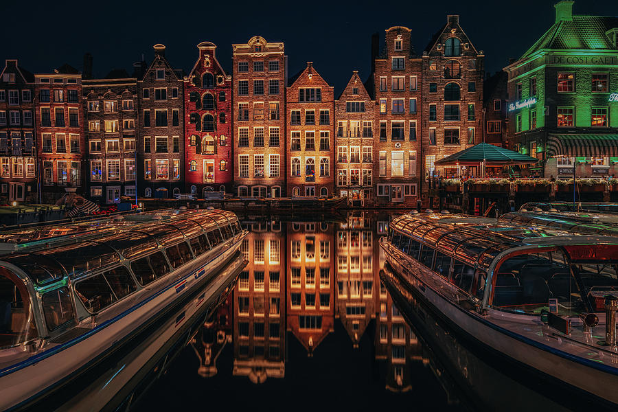 Long Exposure Photograph - Warm nights by Andrei Dima