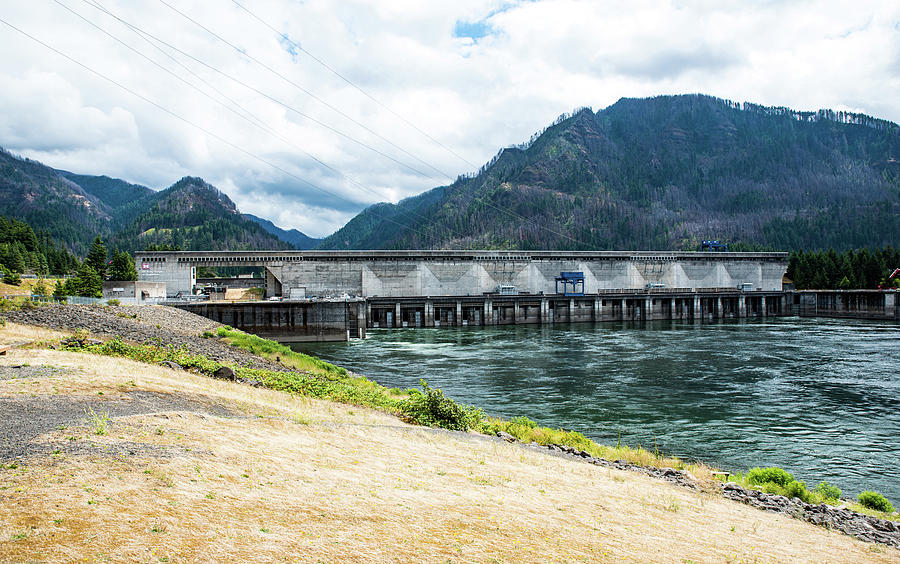 Washington Side of Bonneville Dam by Tom Cochran