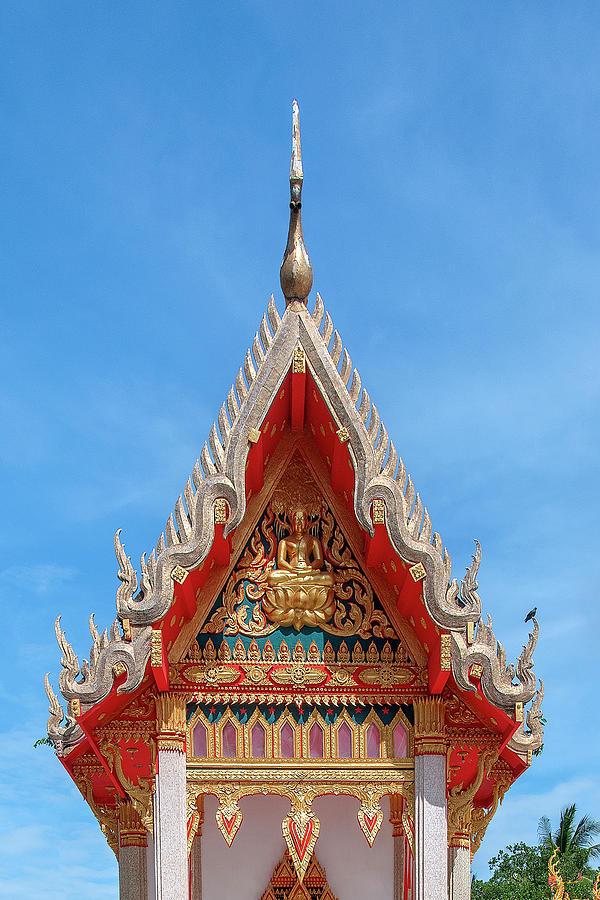 Wat Mahawanaram Phra Ubosot Gable DTHU1139 by Gerry Gantt