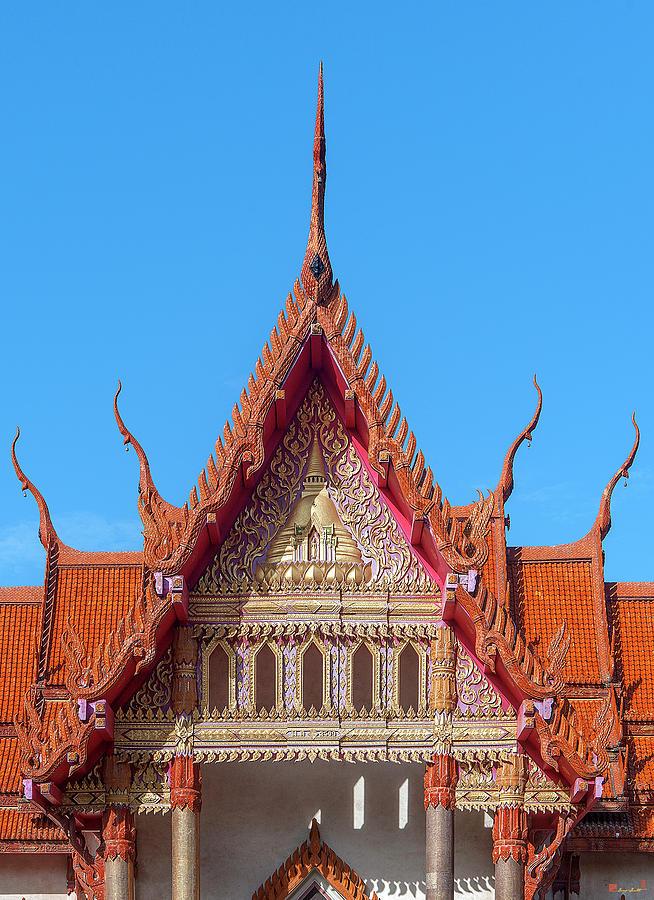 Wat Si Ubon Rattanaram Phra Ubosot Gable DTHU1163 by Gerry Gantt
