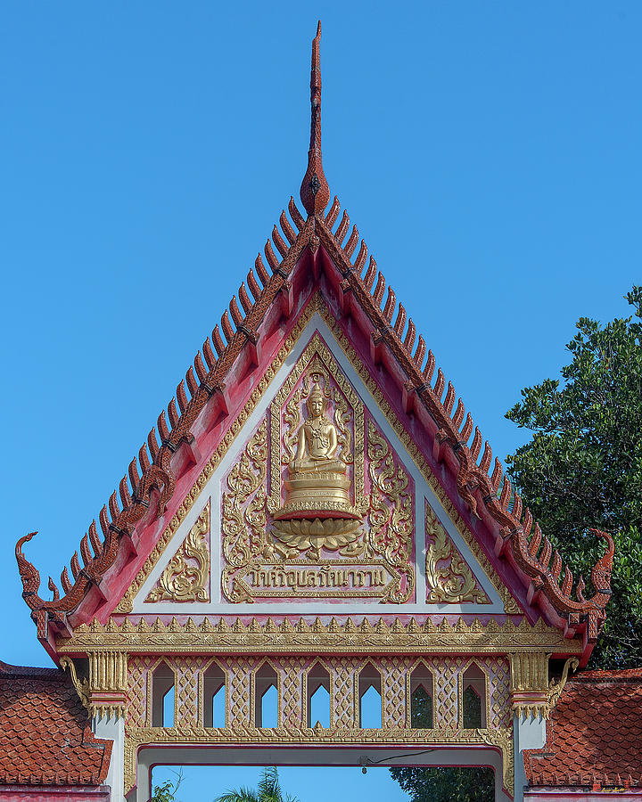 Wat Si Ubon Rattanaram Temple Gate DTHU1188 by Gerry Gantt