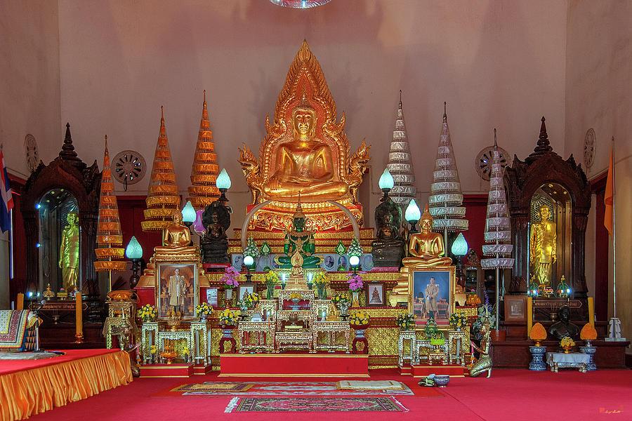 Wat Supattanaram Worawihan Phra Ubosot Buddha Images DTHU1083 by Gerry Gantt