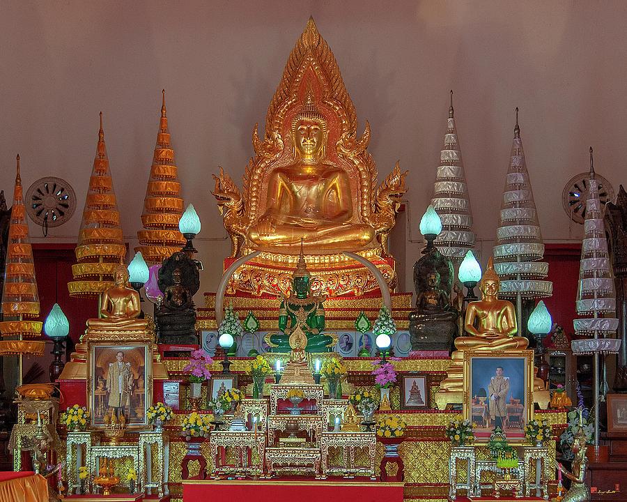 Wat Supattanaram Worawihan Phra Ubosot Buddha Images DTHU1084 by Gerry Gantt
