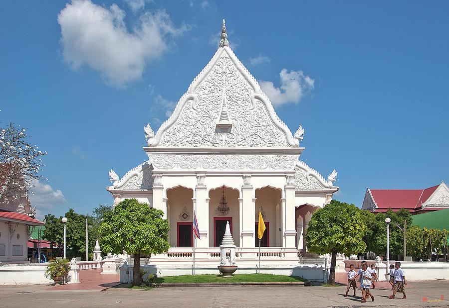Wat Supattanaram Worawihan Phra Ubosot DTHU0568 by Gerry Gantt