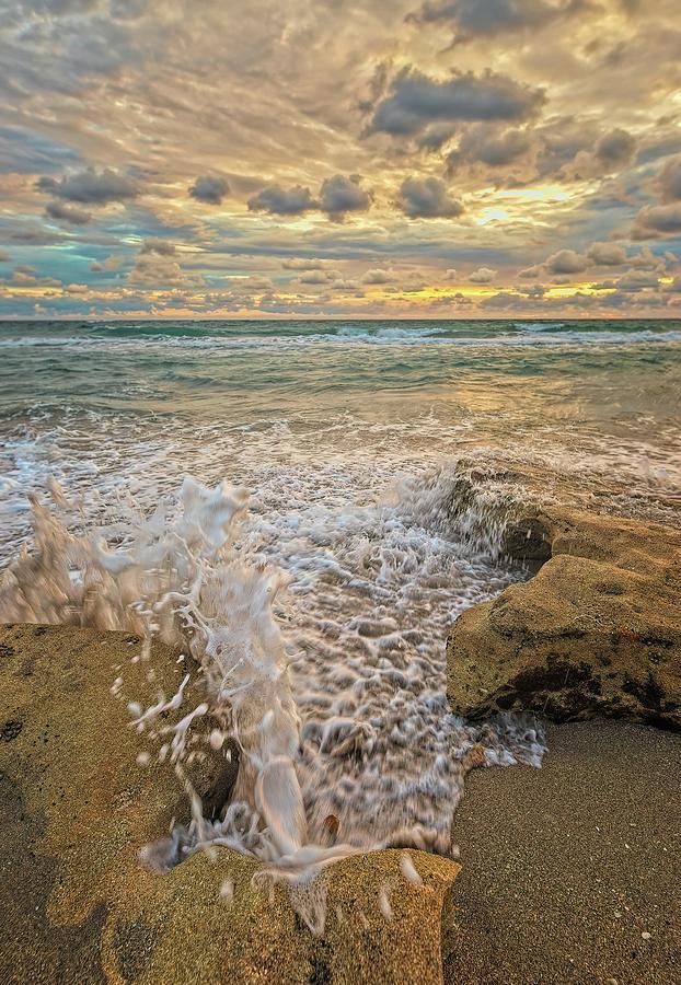 Wave Splash 2 by Steve DaPonte