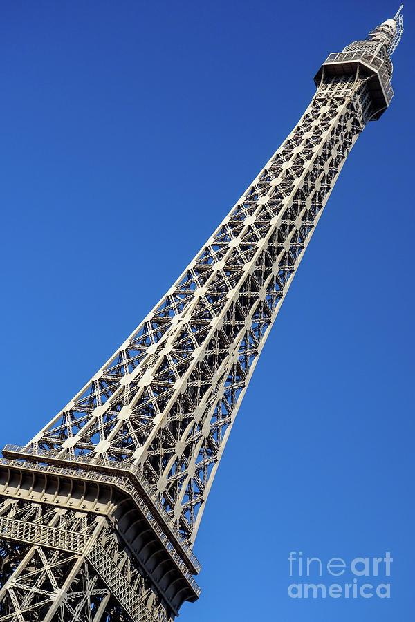 Welcome to Paris in Las Vegas by Wilko Van de Kamp