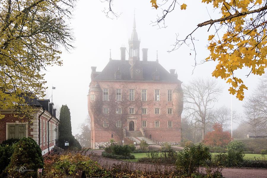 Wik Castle A Foggy Autumn Morning Photograph