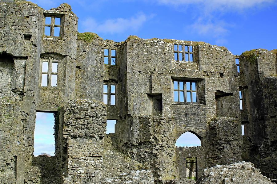 WINDOWS TO THE SKY by Jennifer Robin