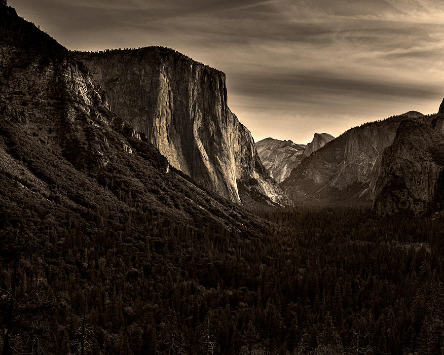 Yosemite  Tunnel view by Alessandra RC
