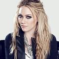83110 Blonde Jacket Sitting Simple Background Hazel Eyes Hilary Duff Women by Anne Pool