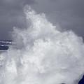 Breaking Waves by Gaspar Avila