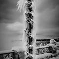 Frozen Over Niagara Falls by Unsplash
