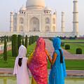 Hindu Women At The Taj Mahal by Bill Bachmann - Printscapes