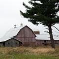 Large Barn by Linda Kerkau