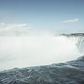 Niagara Falls by Alexander Voss