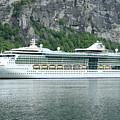 Serenade Of The Seas by Arild Lilleboe