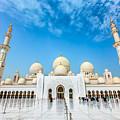 Sheikh Zayed Grand Mosque by Sergey Nosov