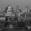 St Pauls Cathedral, London by Perry Rodriguez