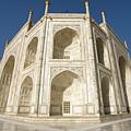 Taj Mahal Mausoleum by Aivar Mikko