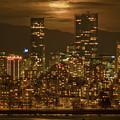 Vancouver's Supermoon by Mohsen Kamalzadeh