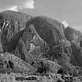 102980 Northern Flanks Stawamus Chief by Ed Cooper Photography