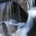 Water Flowing by Les Cunliffe