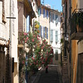 Alley - Provence by Christiane Schulze Art And Photography