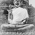 Buddha Statue by Thosaporn Wintachai