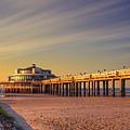 Pier by Vincent Ferooz