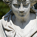 Statue by Photos  By Zulma