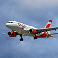 Air Canada Rouge Airbus A319 by Smart Aviation