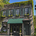 61 Queen Street In Charleston by Dale Powell