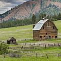 Abandoned Barn by John Trax