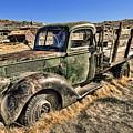 Abandoned Truck by Jason Abando